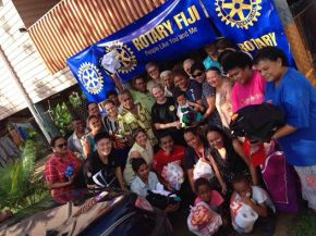 Qauia flood-affected families receive Rotarysupport